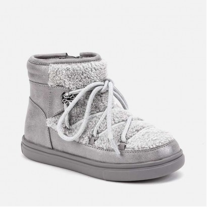 Kid's boots with fluff and laces Mayoral
